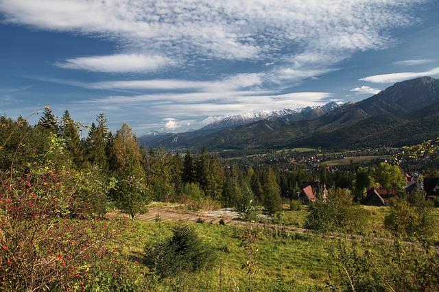 Czynny wypoczynek na szlaku w górach