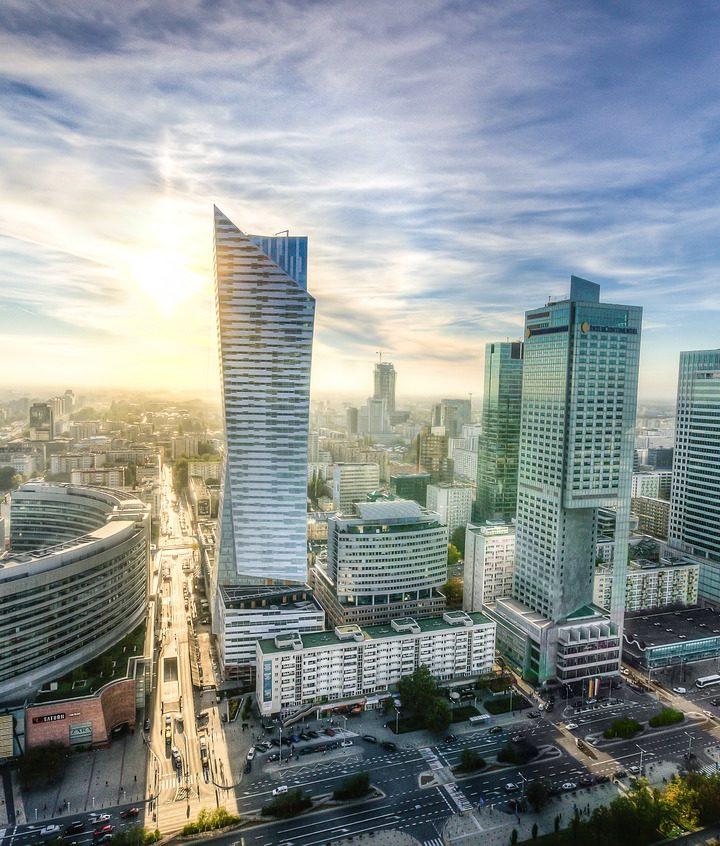 Inwestycje w stolicy i poza stolicą