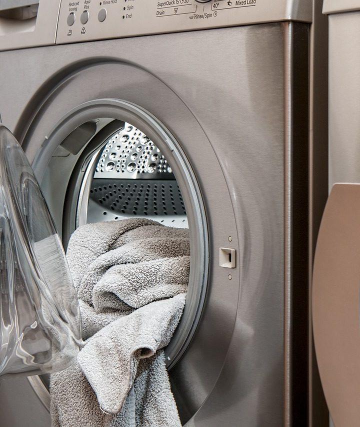 Jak skutecznie prać ubrania?