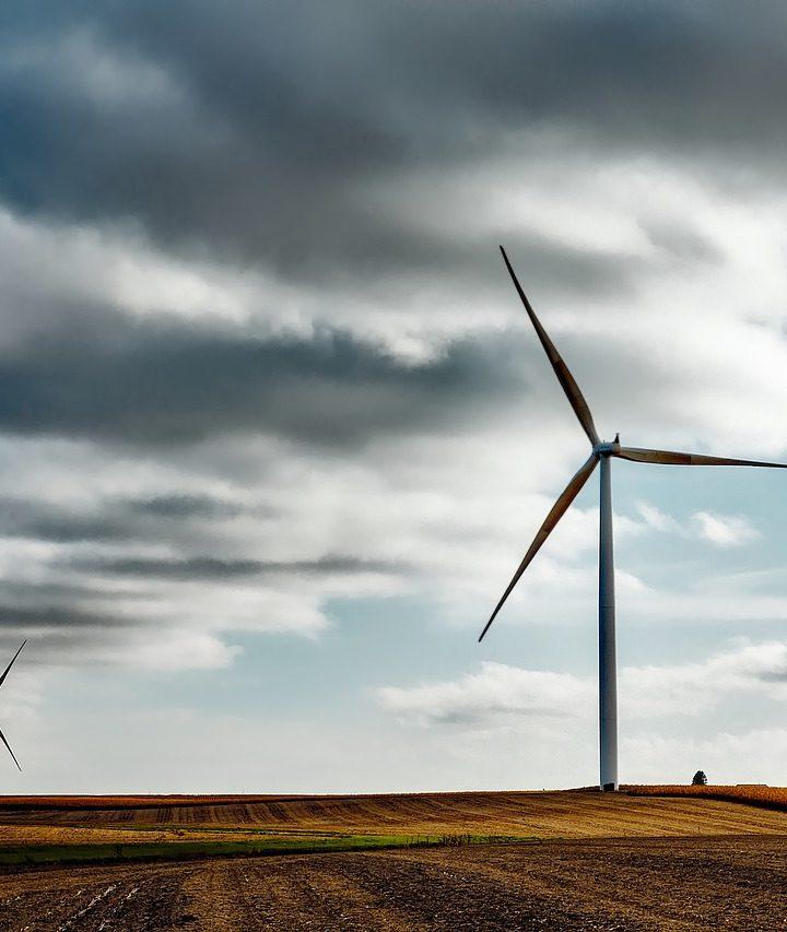 Korzystanie z energii odnawialnej a OZE