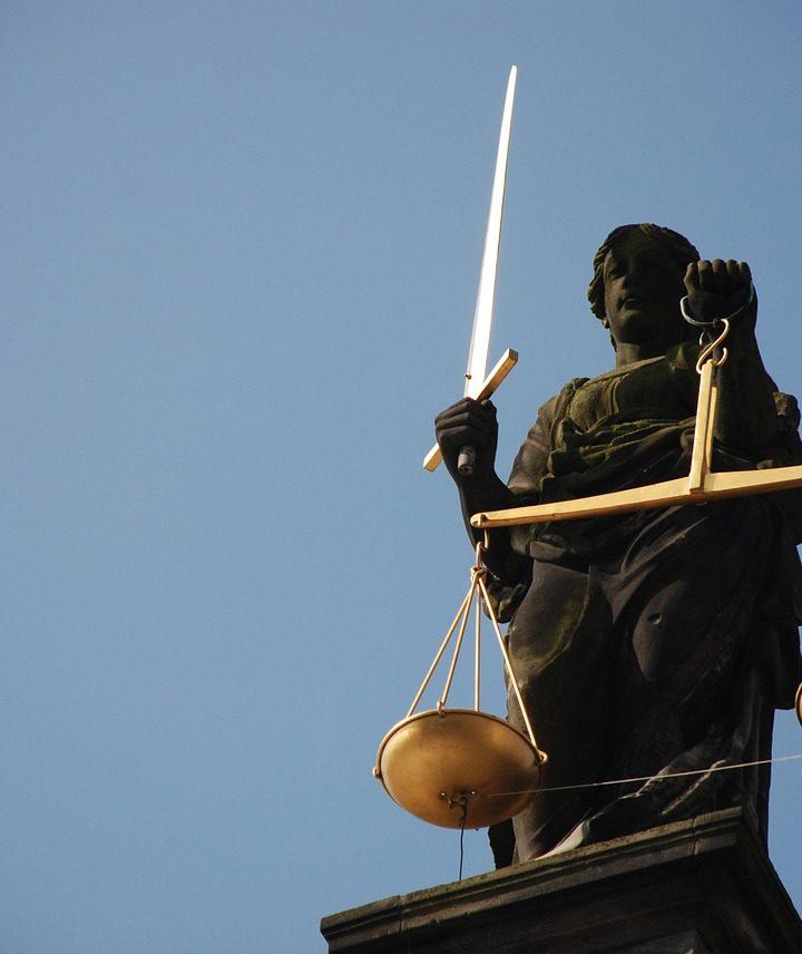Czym się różni prawo karne od prawa cywilnego?