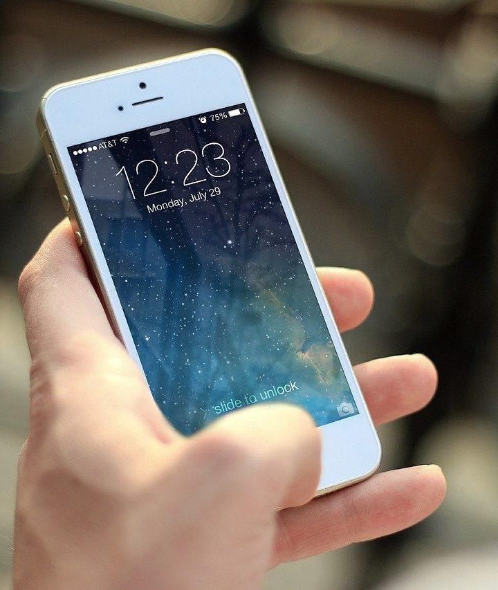 Ile kosztuje naprawa wyświetlacza w telefonie?