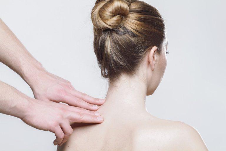Jak sobie można poradzić z uciążliwym bólem pleców