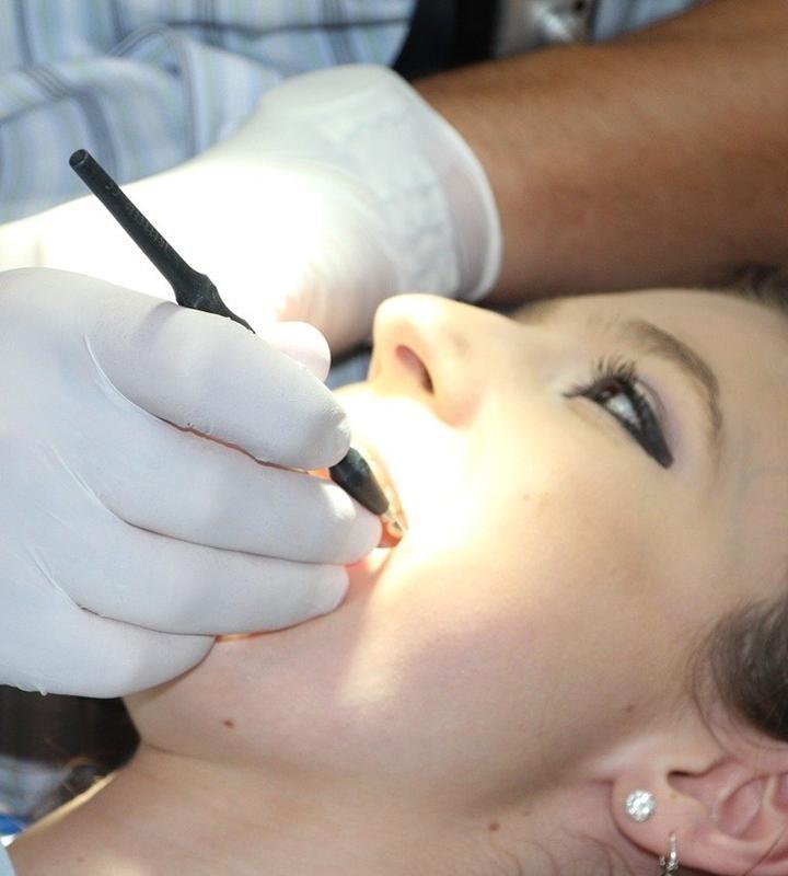 Planujesz przeprowadzenie wybielenia zębów?