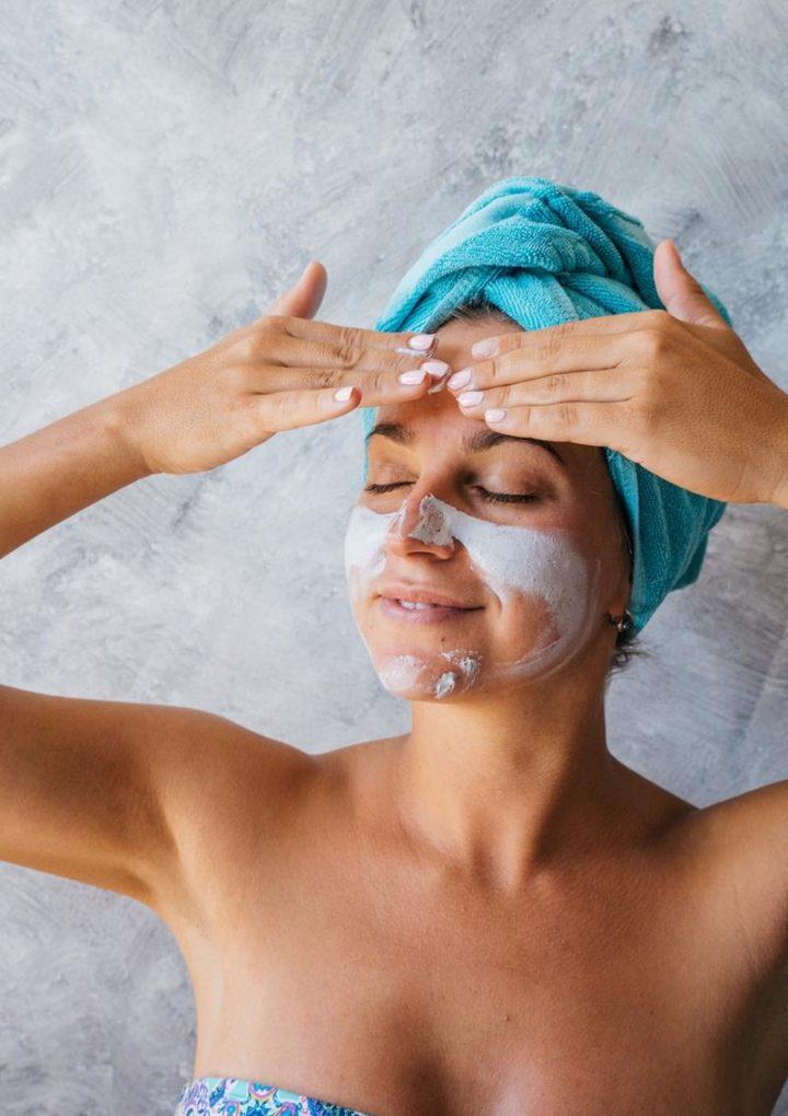 Podstawowe wskazówki dotyczące pielęgnacji skóry, których każdy powinien używać